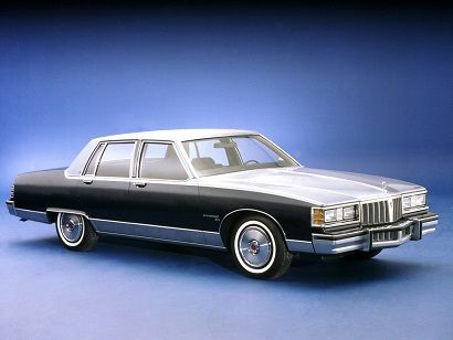 1981 Pontiac Bonneville Brougham Mine Was Cream With A Vinyl Top It Was One Of Those Converted 350 Diesels Pontiac Bonneville Pontiac Parisienne Pontiac