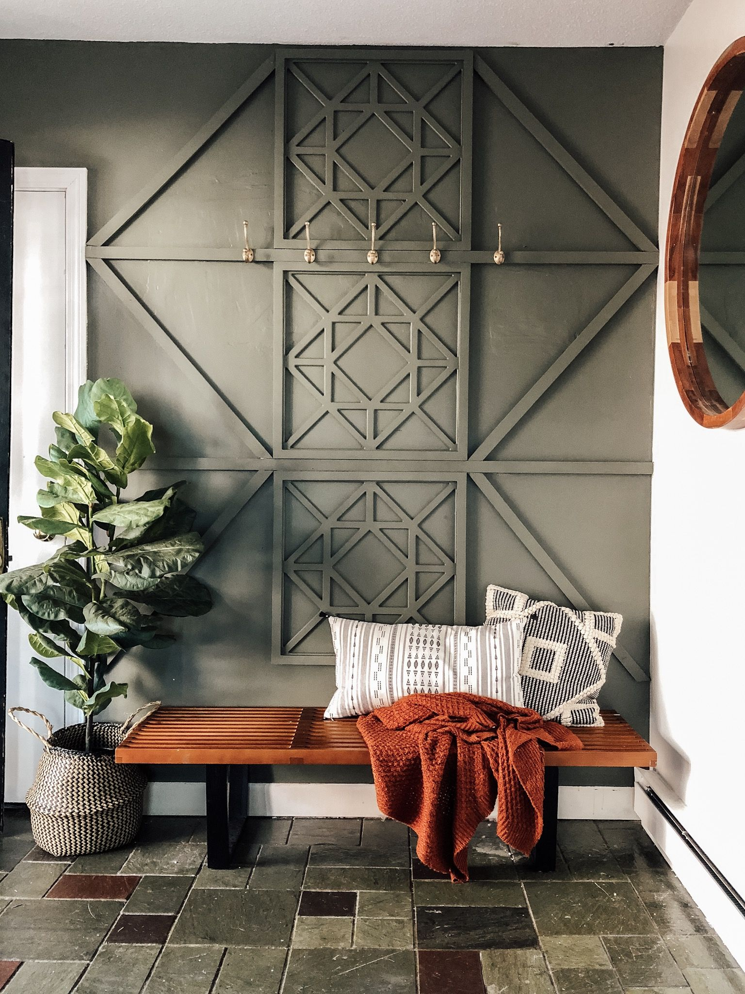 Our New Entryway: With a DIY Wood Feature Wall #woodfeaturewalls