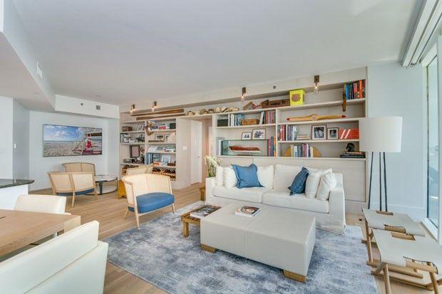 Apartamento De 150m² Em Miami, Feito Pelo Arquiteto Maurício Nóbrega. Na  Sala De Estar