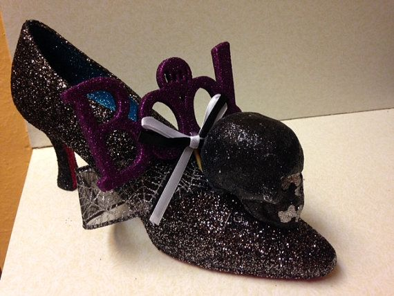 A BOOtiful Halloween decorated shoe  Glittered decor by Glitter365.