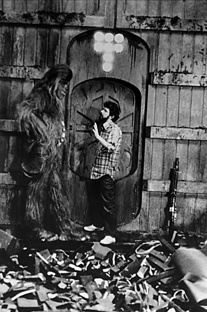 Peter Mayhew and George Lucas on the set of Star Wars: Episode IV - A New Hope (1977)