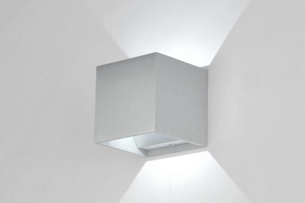 Design Wandverlichting Badkamer : Wandlamp modern design geschuurd aluminium vierkant