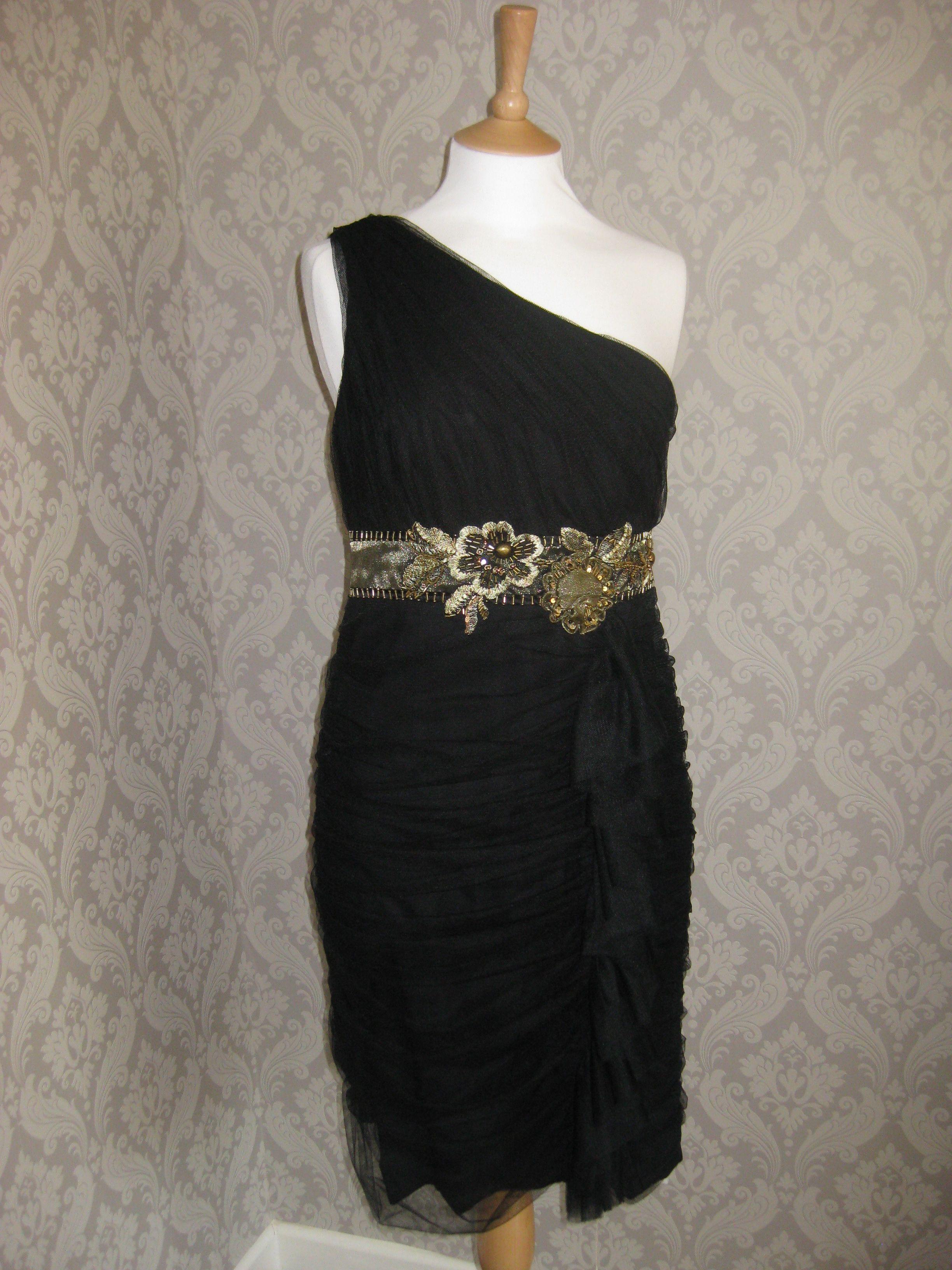 Fab one shoulder black dress available to rent on our website renymydress.ie #Occasionwear #ocassiondresses #dresshiredublin #dresshireireland #Blackdress #oneshoulderdress #flattering #Black