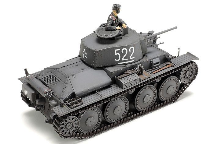 During this year 2015, Tamiya is surprising us with a number of new releases of scale models, which showing once again their ability to do us enjoy with vehicles, tanks and motorized elements, stars of the battlefields of World War II World (Allied and Axis) between 1939-1945. Until September 2015 Tamiya has released the following scale models: German Panzerkampfwagen 38(t) Ausf.E/F (1/48 Military Miniature Series No.83 - Item No: 32583):  About the Model 1/48 scale plastic model assembly…