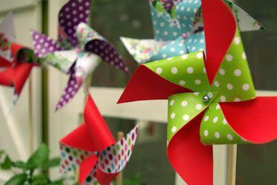 Origami Maniacs: Origami Spring Pin Wheel