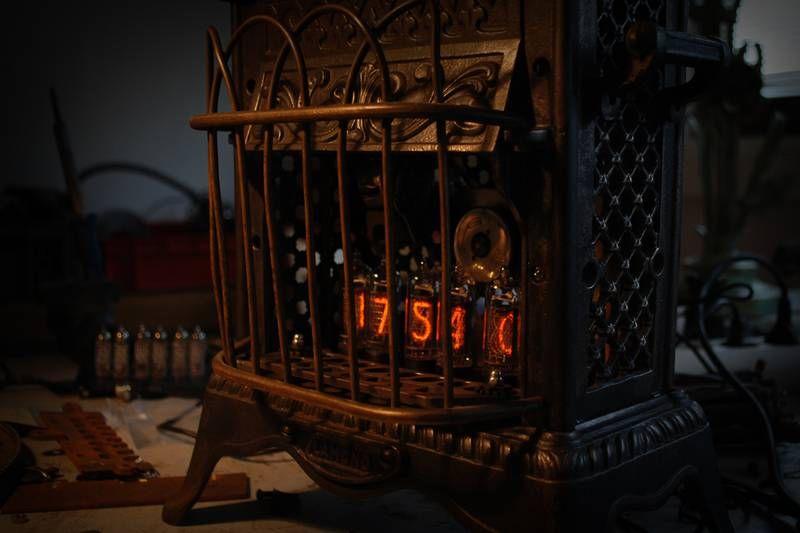 Steampunk Bloody Treasure : steampunk nixieuhr, uhr, watch, clock (Bild 4/5)