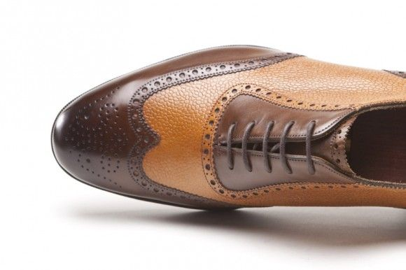 Toe medallion on best wing tip for men