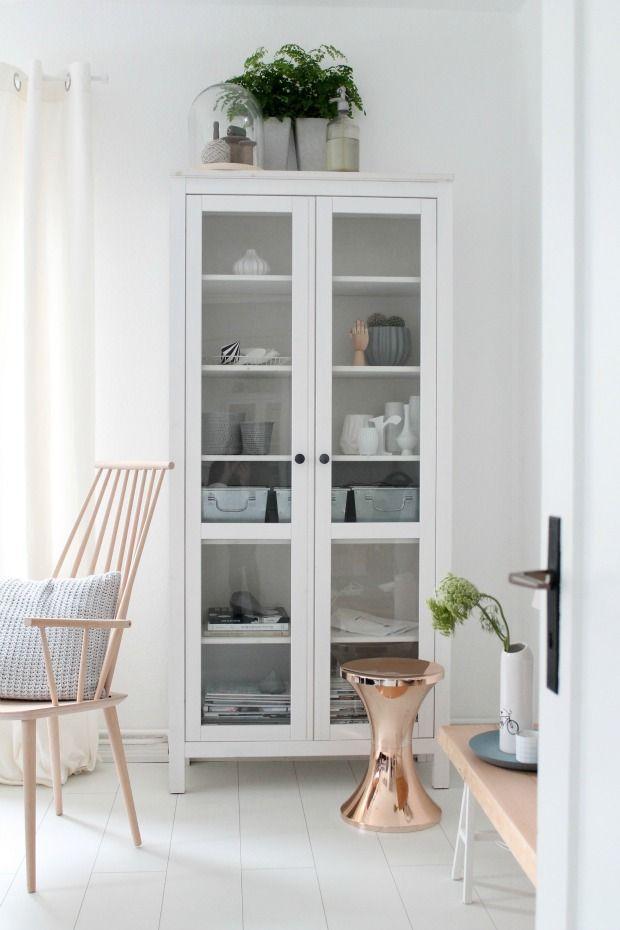 vitrinekast-woonkamer-dubbele-deuren | IKEA | Pinterest | Interiors