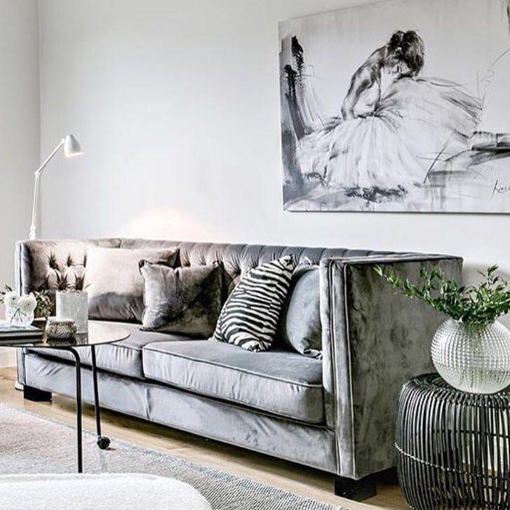 Fashionable Wall Decor On Instagram Super Luxe Grey Velvet Sofa Obsessed The Velvet Couch Living Room Velvet Sofa Living Room Furniture Design Living Room