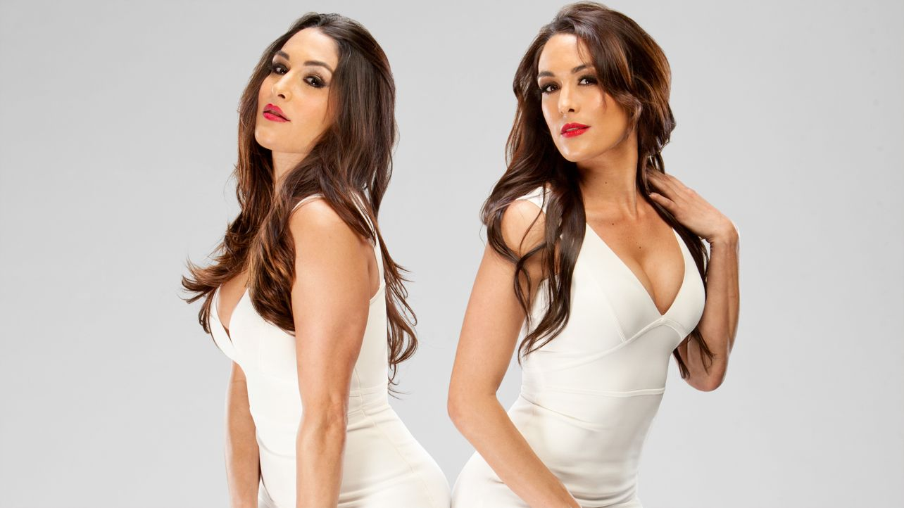 Watch OMG, the Bella Twins Just Challenged the Kardashians to a Wrestling Match video