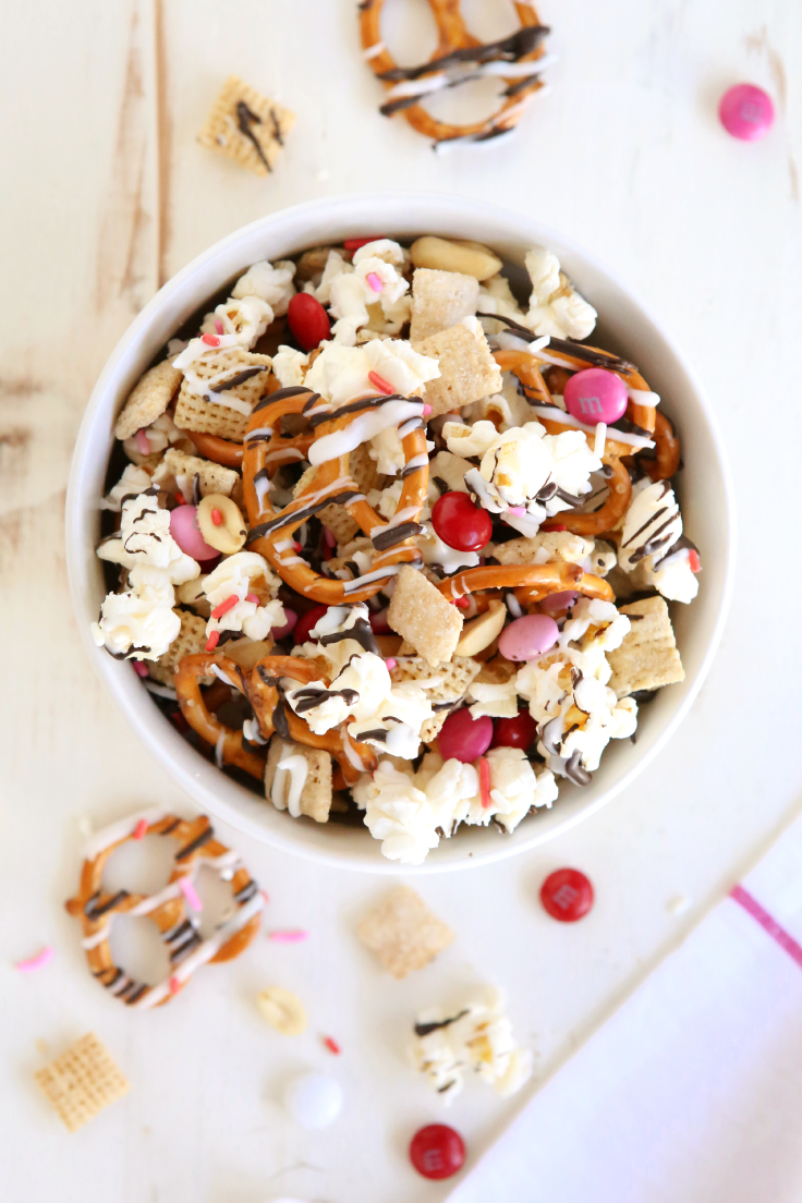 sweet salty valentines chex mix