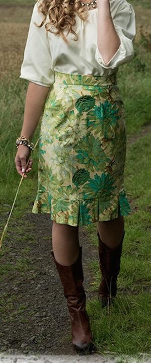 cute green dahlia skirt http://rstyle.me/n/qiujrr9te