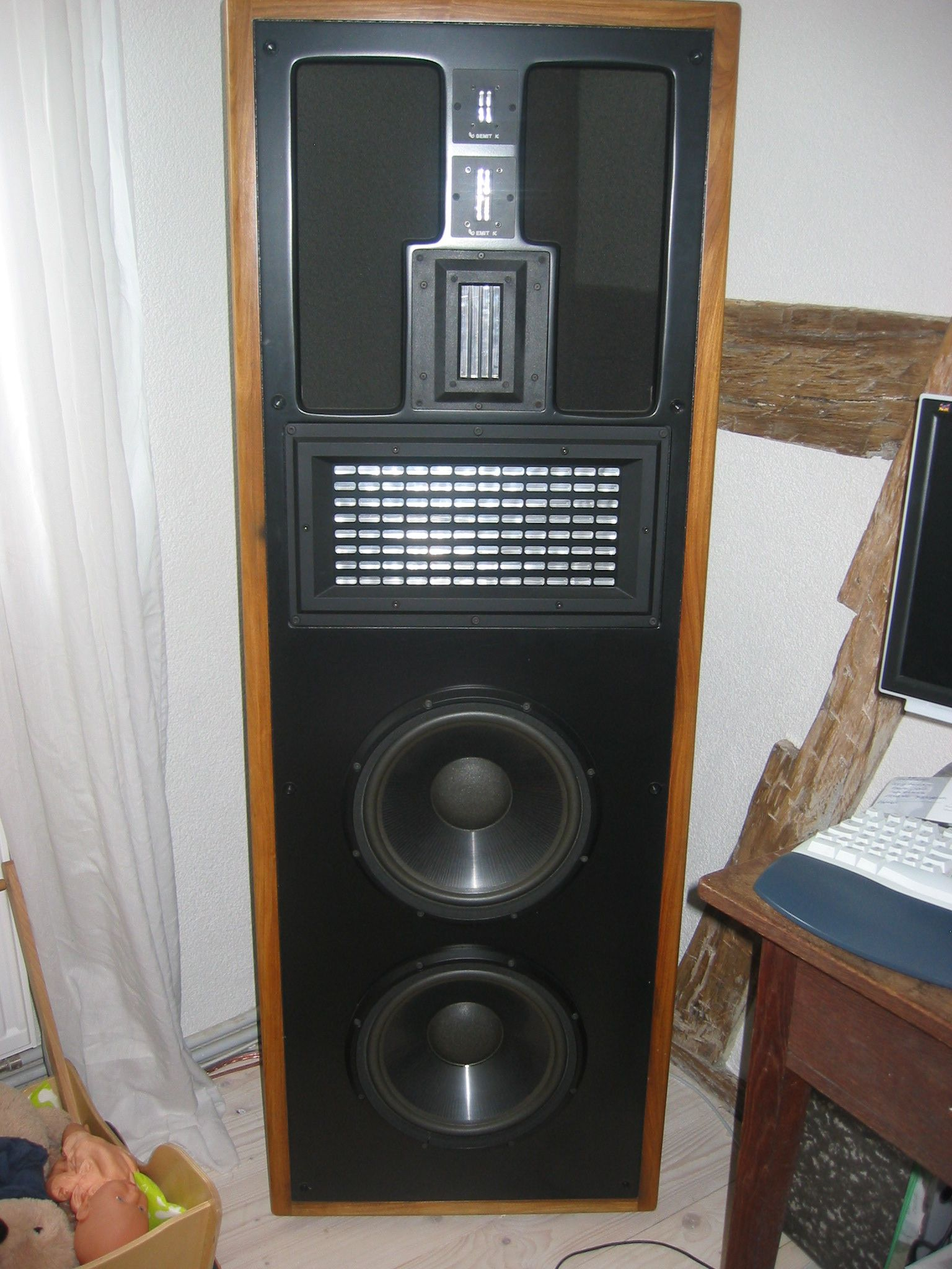 Infinity Irs Gamma Vintage Infinity Speakers In 2019 Pinterest