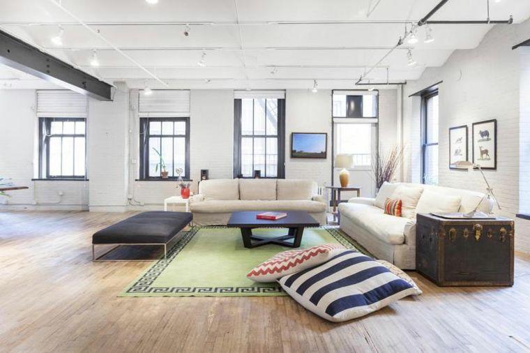 Wohnzimmer mit städtischem Charme und ativem Design (mit