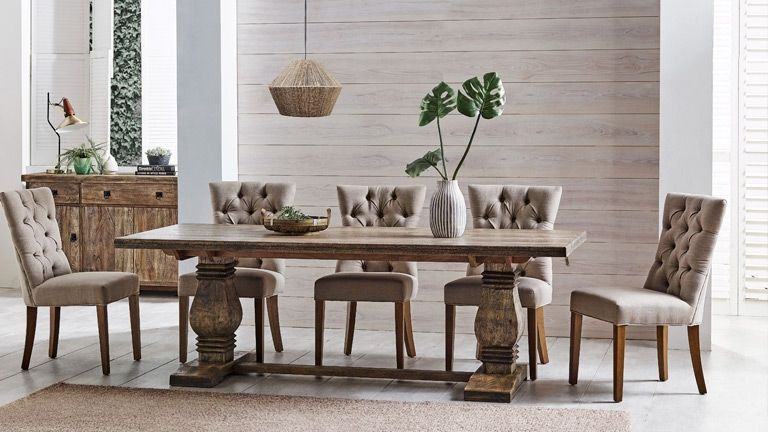 Furniture Layout At The Dining Table That You Can Try In Your