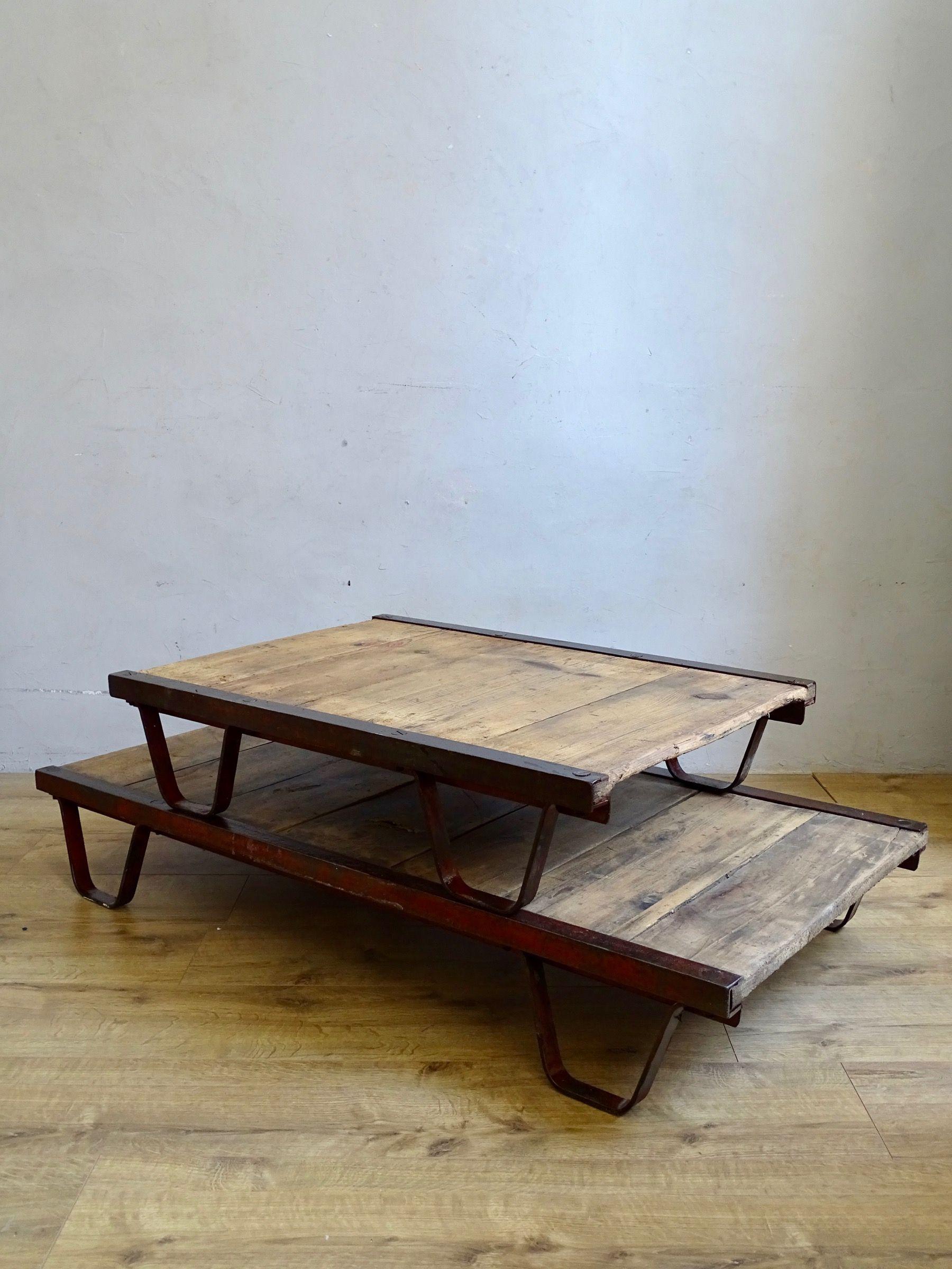 Palette Sncf Table Basse Palette Mobilier De Salon Meuble De Metier