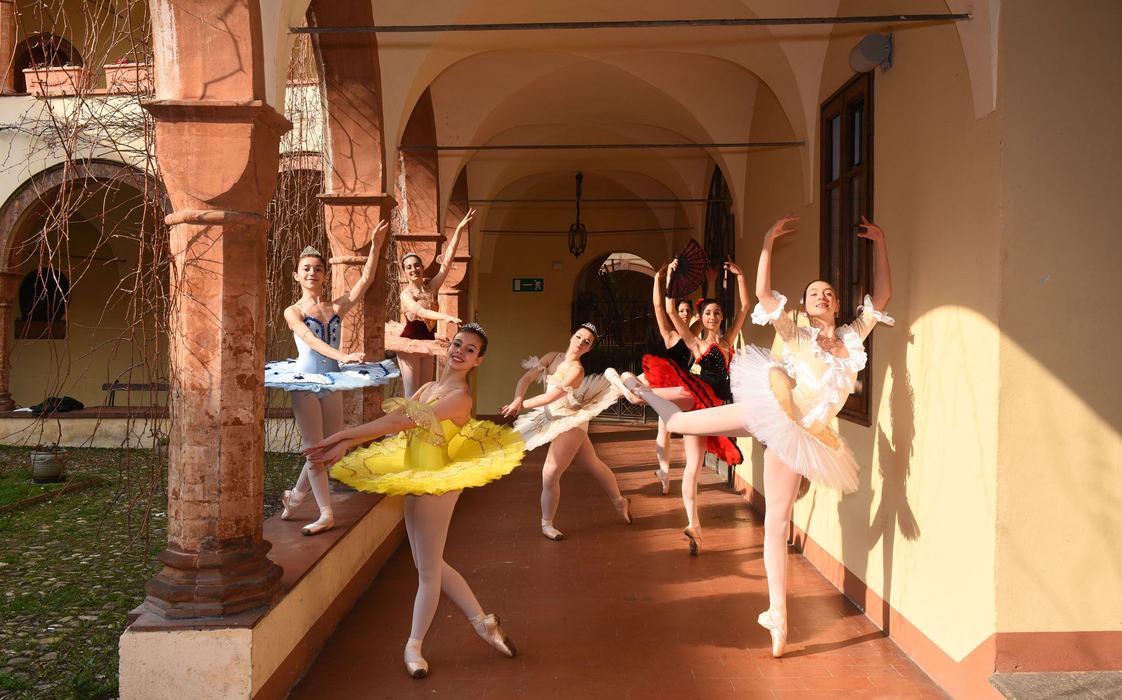 Arp dance scuola di danza classica e contemporanea ad alto for Arredamento scuola di danza