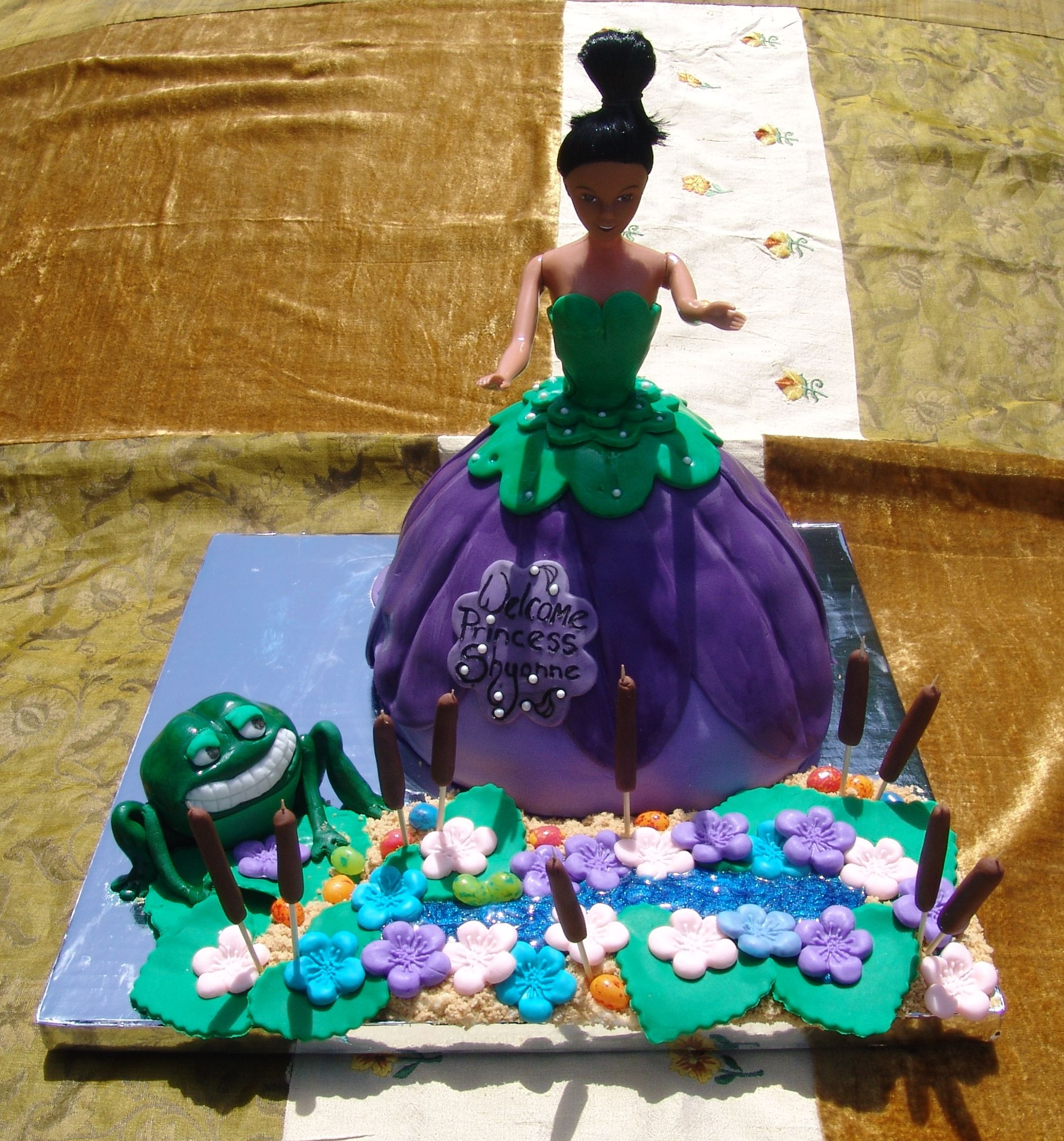 Princess and the frog cake for baby shower frog cakes
