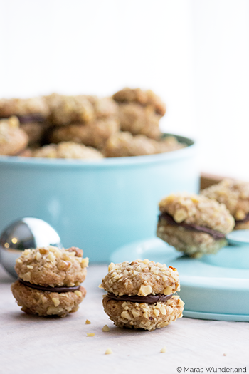 Photo of Christmas bakery, the 5th: walnut espresso biscuits • Maras Wunderland