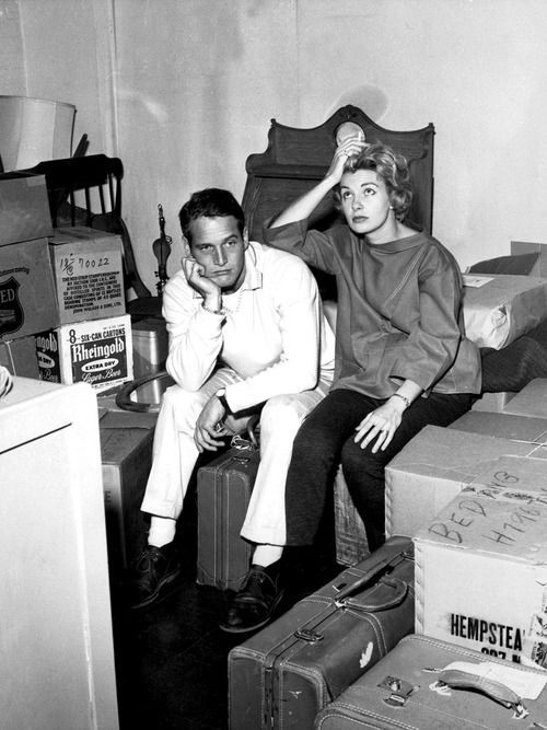 Paul Newman and Joanne Woodward moving into their New York residence, 1958