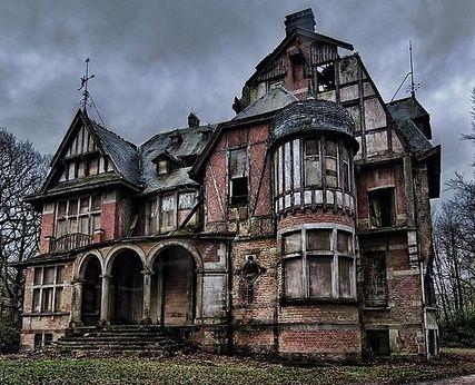 091b81eed68aa9f25e971407deb5f4c0 miss peregrine 39 s home for peculiar chi - Maisons abandonnees belgique ...