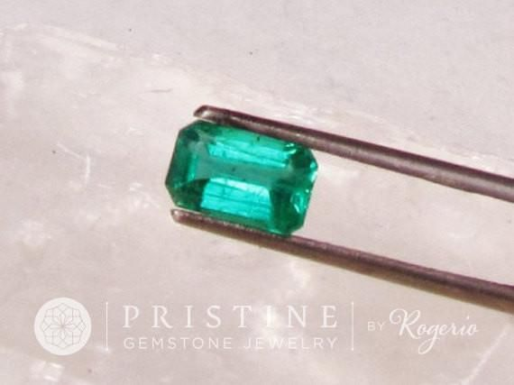 Fine Colombian Emerald May Birthstone for Wedding Anniversary Ring