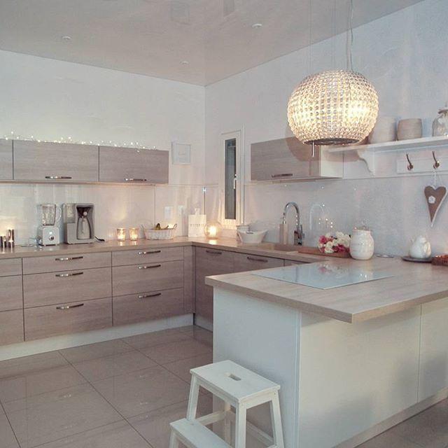Our kitchen in evening lightning✨Keittiö iltavalaistuksessa 🌠#kitchen #keittiö #kök #evening
