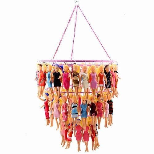 Barbie chandelier...Esto es lo que voy a hacer con las munecas de las nenas jajaja