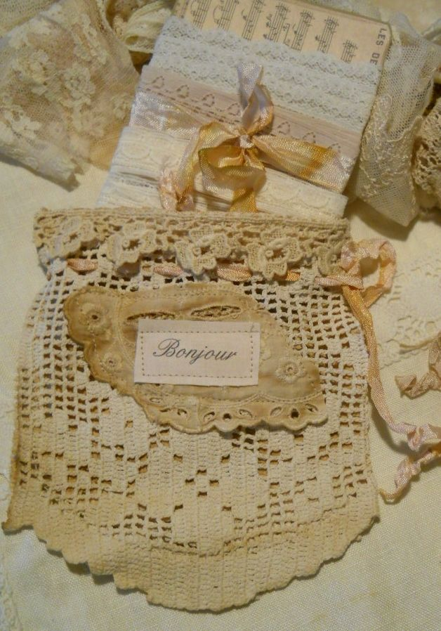 Gorgeous vintage lace pocket