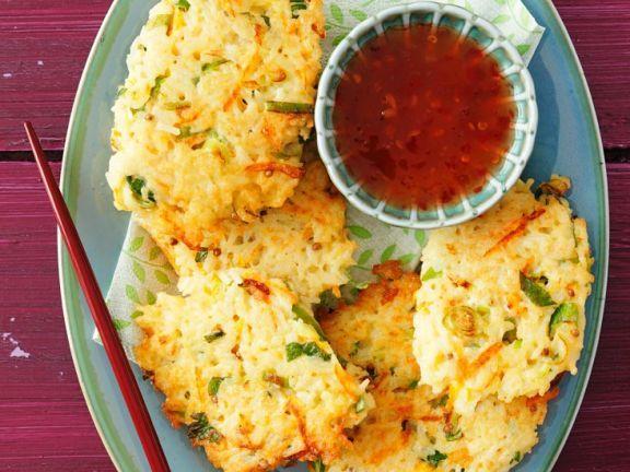 Reisbratlinge mit Lauchzwiebeln ist ein Rezept mit frischen Zutaten aus der Kategorie Zwiebelgemüse. Probieren Sie dieses und weitere Rezepte von EAT SMARTER!