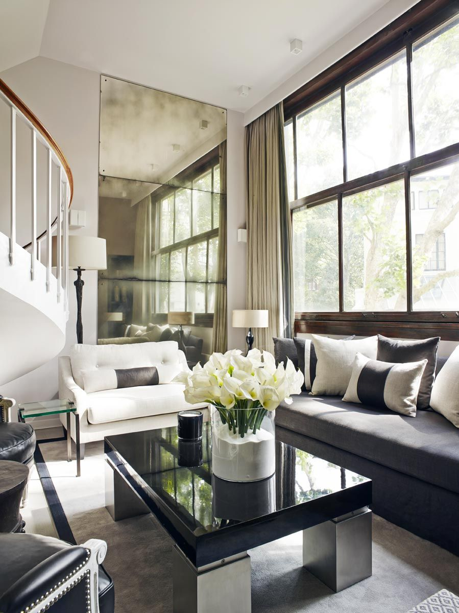 Top Interior Designer Kelly Hoppen Interiors Kelly Hoppen And White Flowers