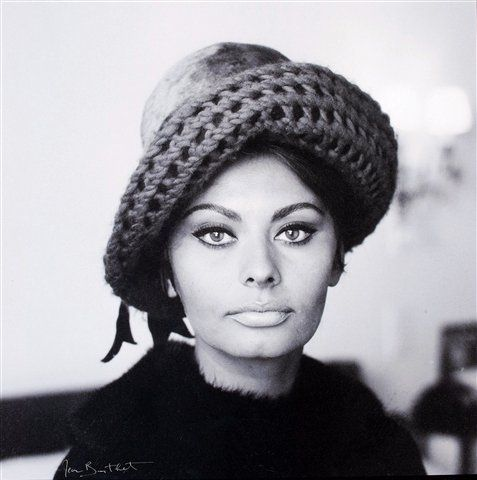 Sophia Loren wearing hat by Jean Barthet, photo by Jean Barthet