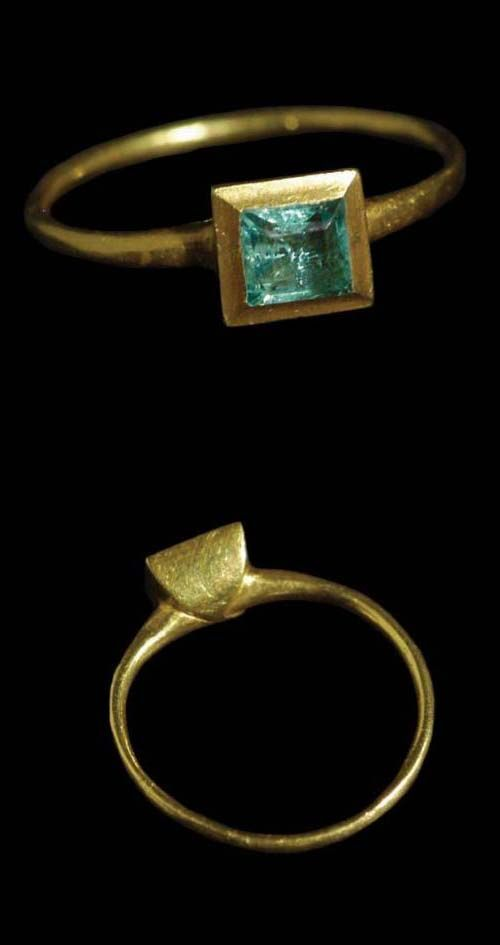 cb981865b177ec Petite Emerald Ring. Shipwreck: Margarita 1622. This charming and delicate  ring was recovered