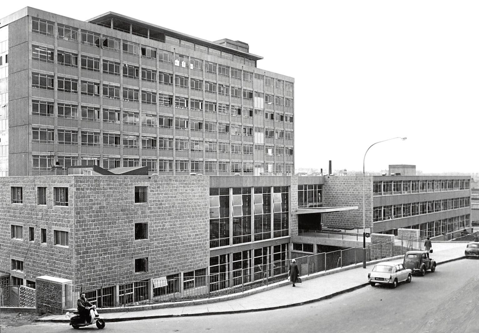 Amadeus Nightclub Aberdeen 1964, aberdeen techie college, gallowgate entrance. in 2019
