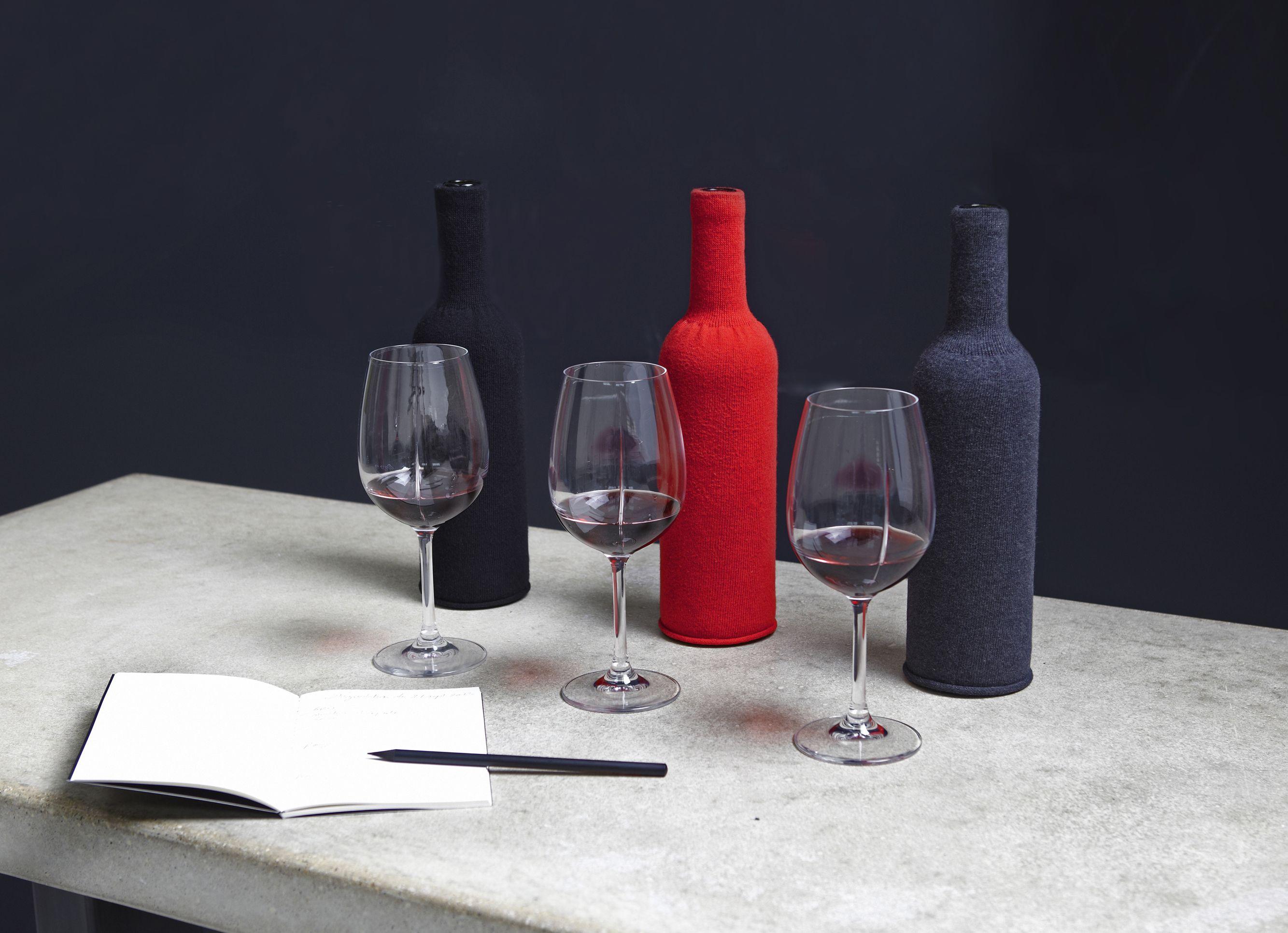 Set De Degustation Professionnelle L Opacite L Elasticite Des Trois Cache Bouteilles Sont Garanties Par Leur Blind Wine Tasting Wine Tasting Wine Education