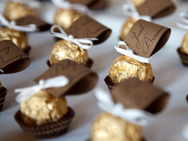 edible wedding favours ideas and tips projects to try pinterest goldene hochzeit tisch. Black Bedroom Furniture Sets. Home Design Ideas