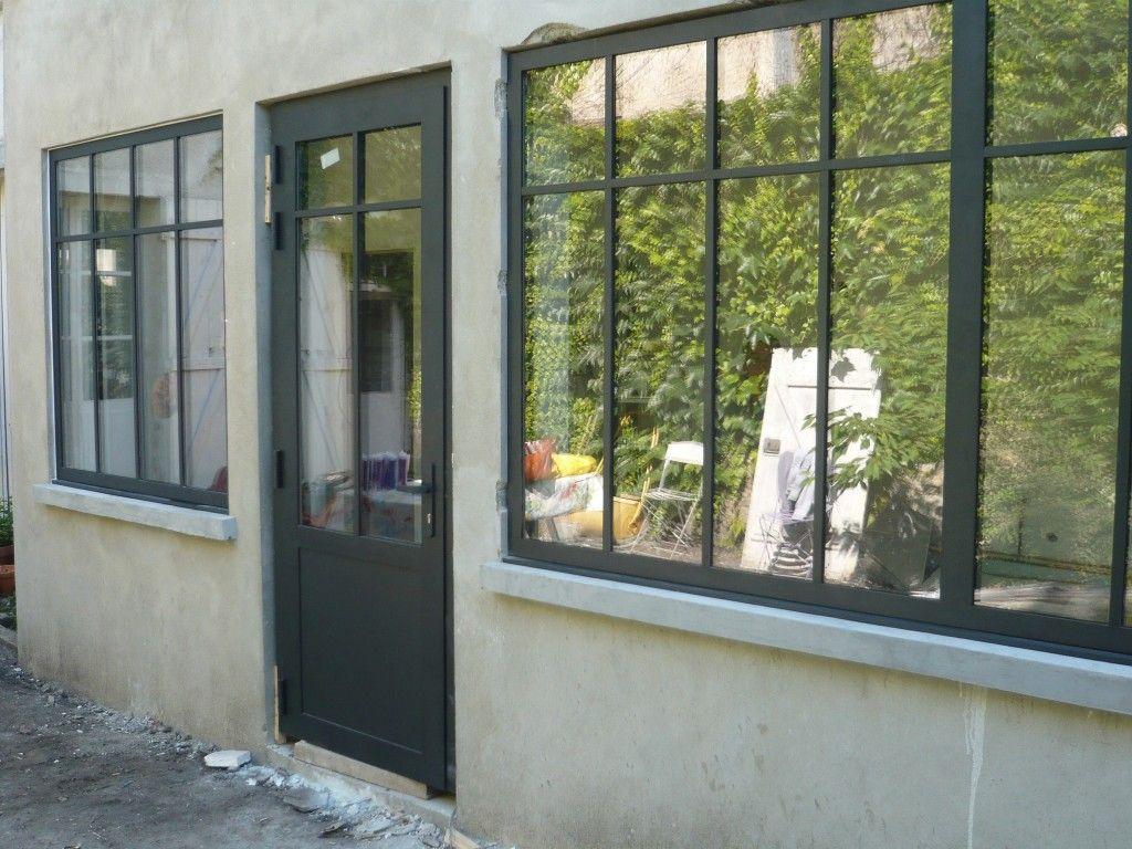 Porte d 39 entr e et fen tre en alu couleur gris noir r alisation sur coye la for t 60 for Porte fenetre style industriel
