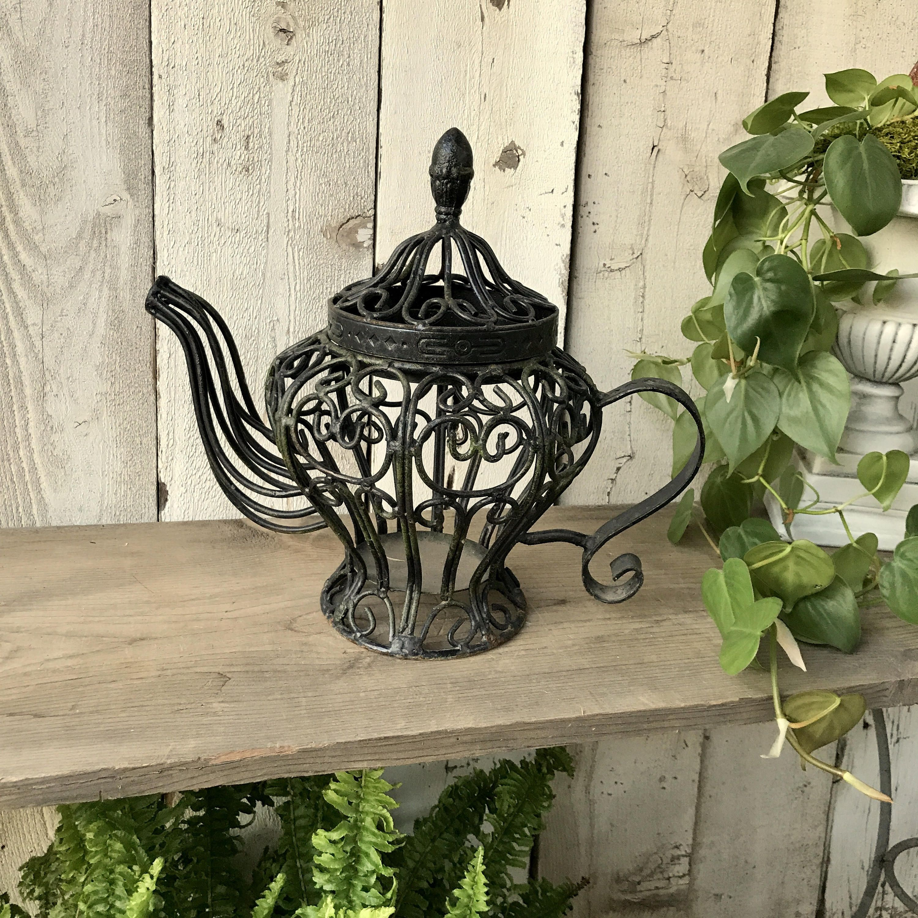 Wrought Iron Teapot Garden Decoration Rustic Scrolly Candle Holder Plant