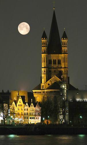 Groß St. Martin Romanesque Church - Moon over Köln /Cologne - Germany