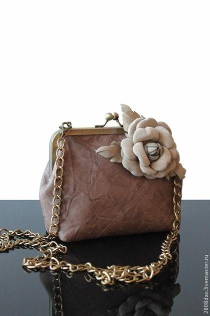 eff93327651b Женские сумки ручной работы. Ярмарка Мастеров - ручная работа Кожаная  сумочка, клатч, клатч с цветком, брошь, бежевый. Handmade.
