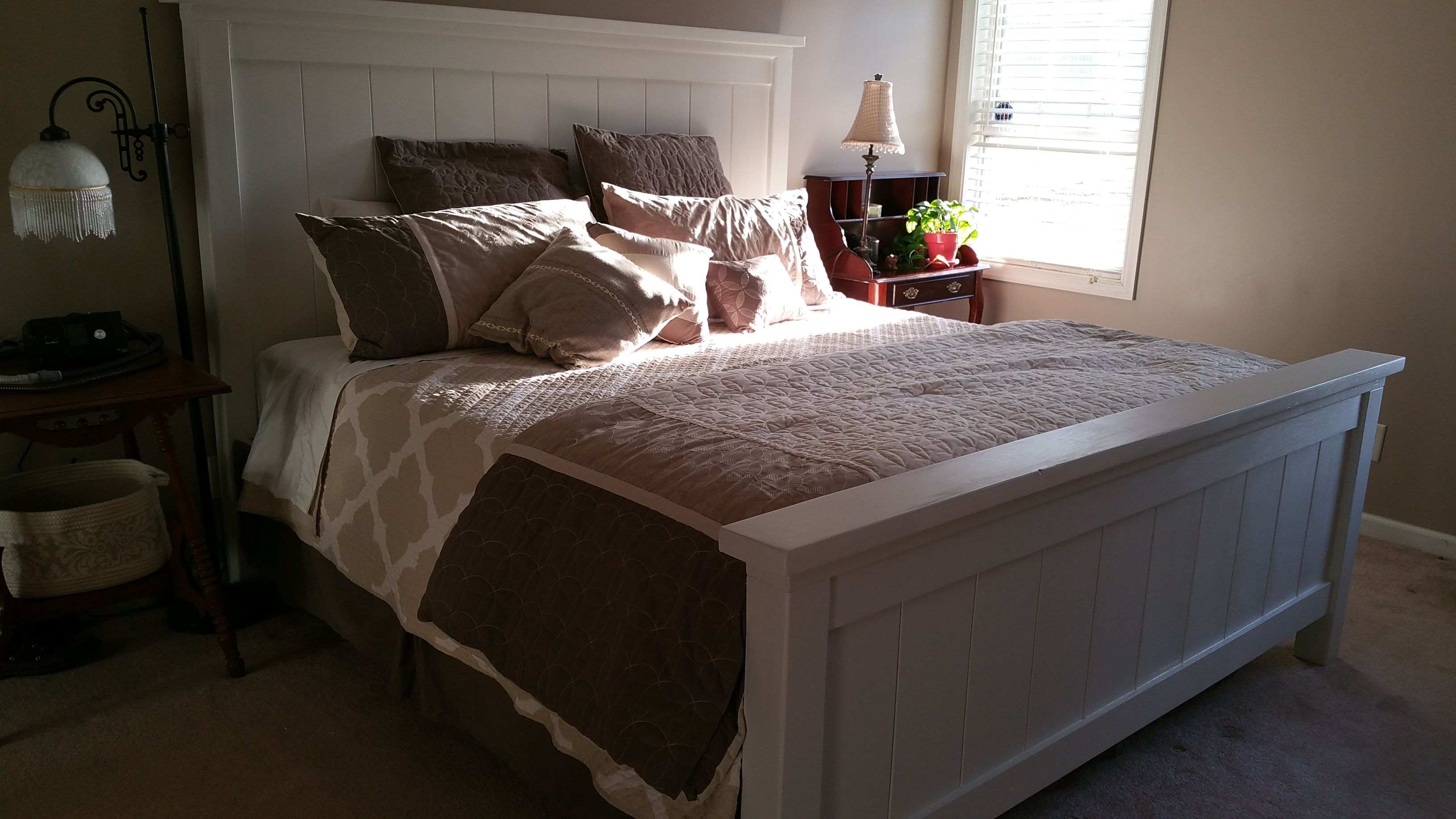 Ana White King Farmhouse bed DIY Projects King