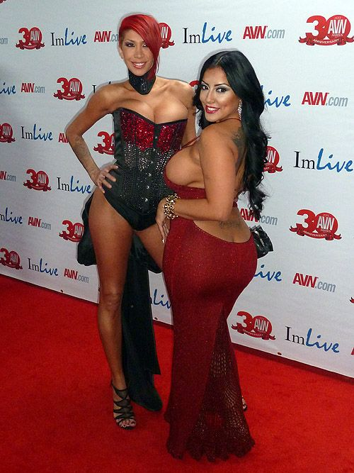 Kiara mia and kayla camera 2013 avn awards iamaslave 9 - In camera mia ...
