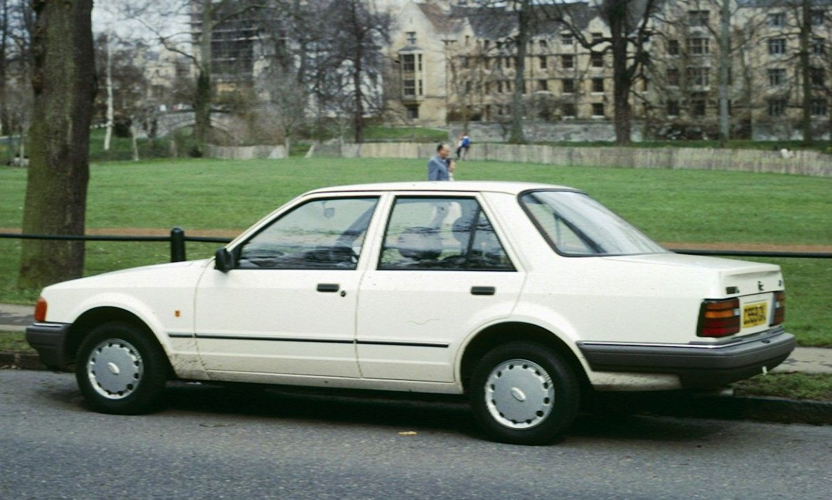 Ford Orion Mine Was 1 6gl D Reg In White Like This Cool Car