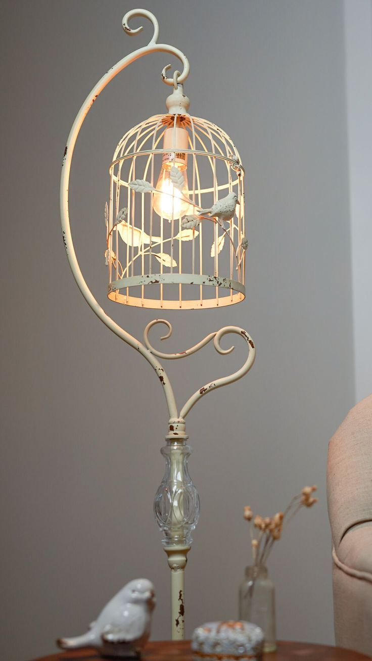 Add A Trendy Vintage Touch To Your Bedroom Or Living Room With Our Metal Birdcage Lamp A Fresh Take On Lampen Wohnzimmer Shabby Chic Lampen Shabby Chic Dekor