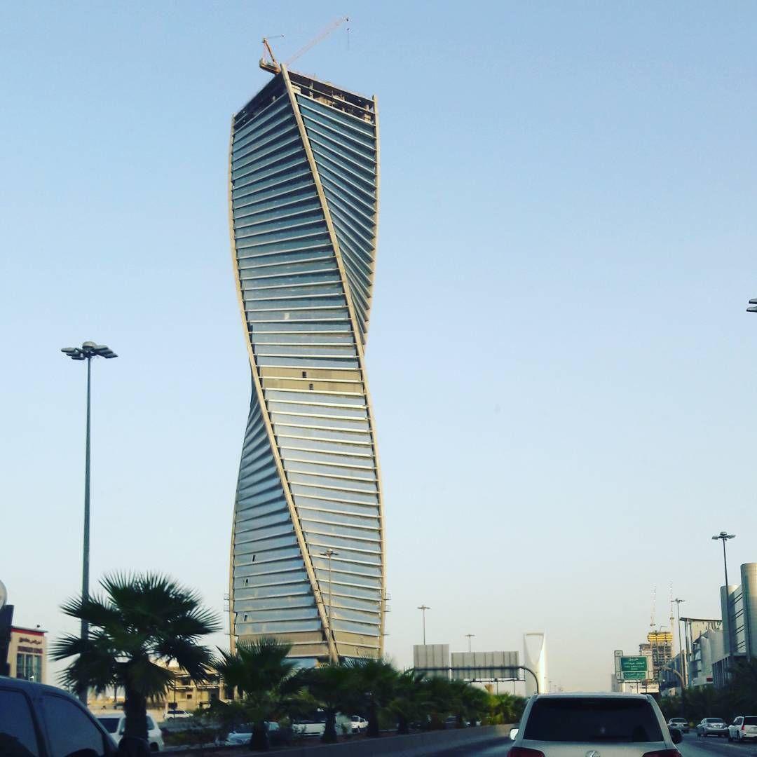 Almajdoul tower twisted riyadh ksa eidshopping for Top uk architects