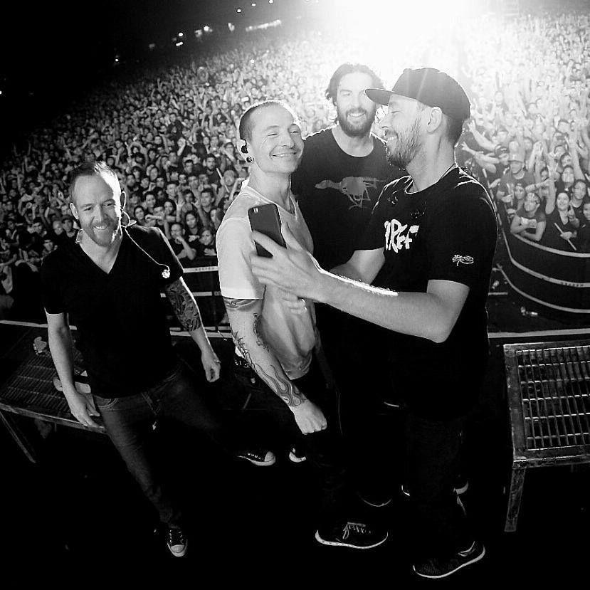 Dave Farrell Chester Bennington Rob Bourdon Mike Shinoda Linkin Park Chester Linkin Park Chester Bennington