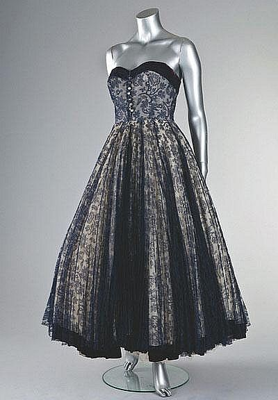 A Jean Dessès couture navy chantilly dance dress, Spring-Summer, 1951