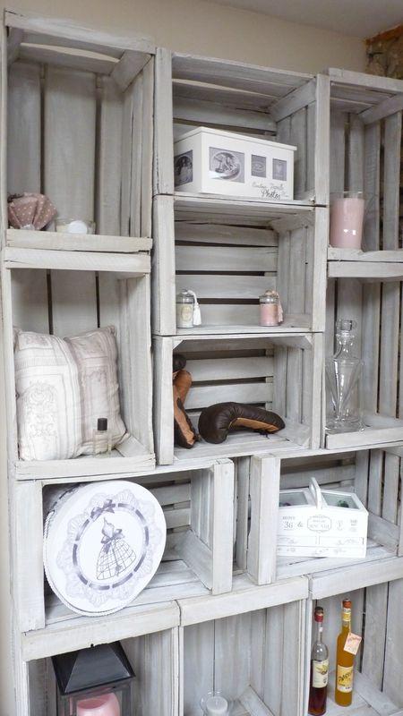am nagement d 39 un salon biblioth que avec des caisses de pommes audrey clain pinkspace. Black Bedroom Furniture Sets. Home Design Ideas