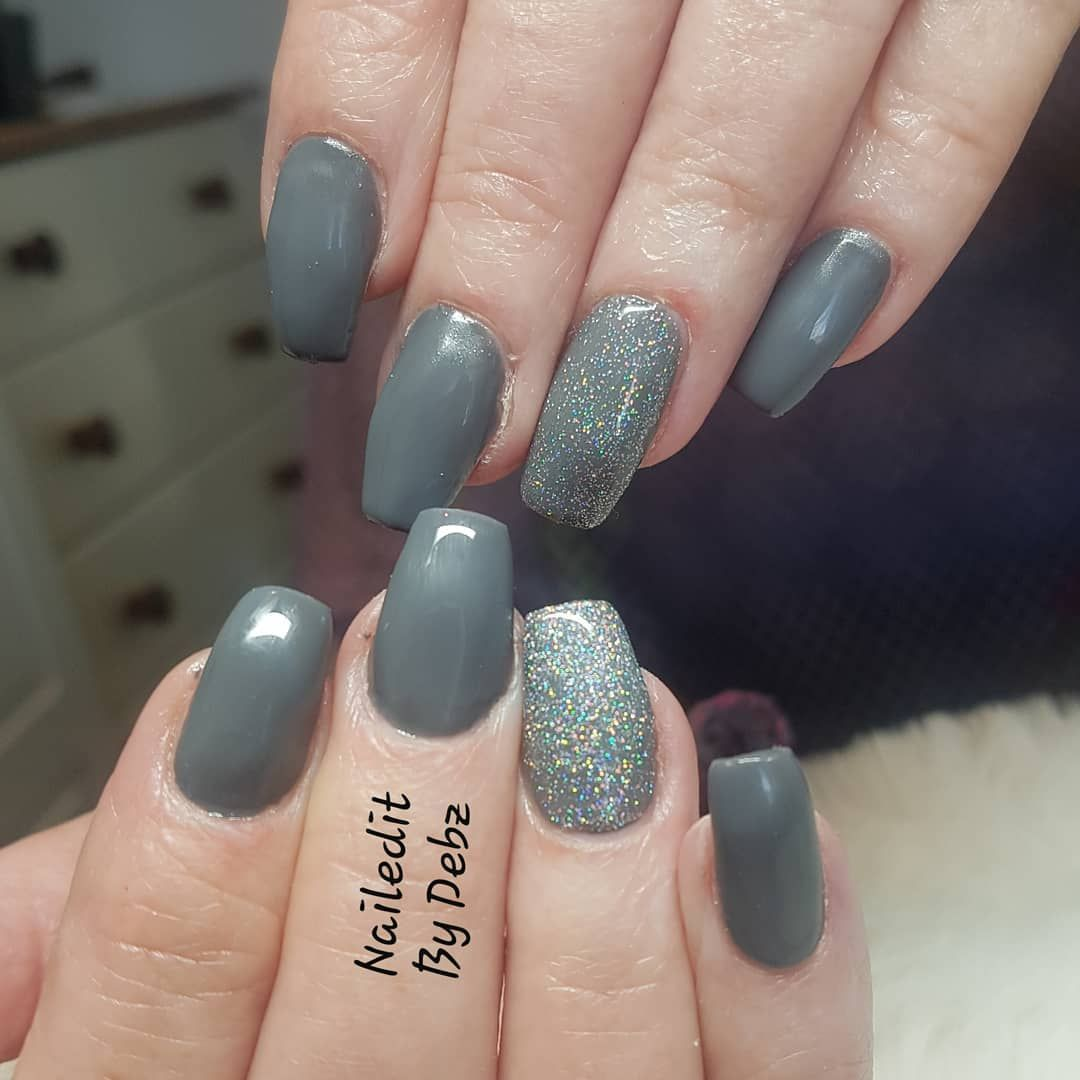 Acrygel Overlay To Natural Nails Grey Gel With Glitter Accent
