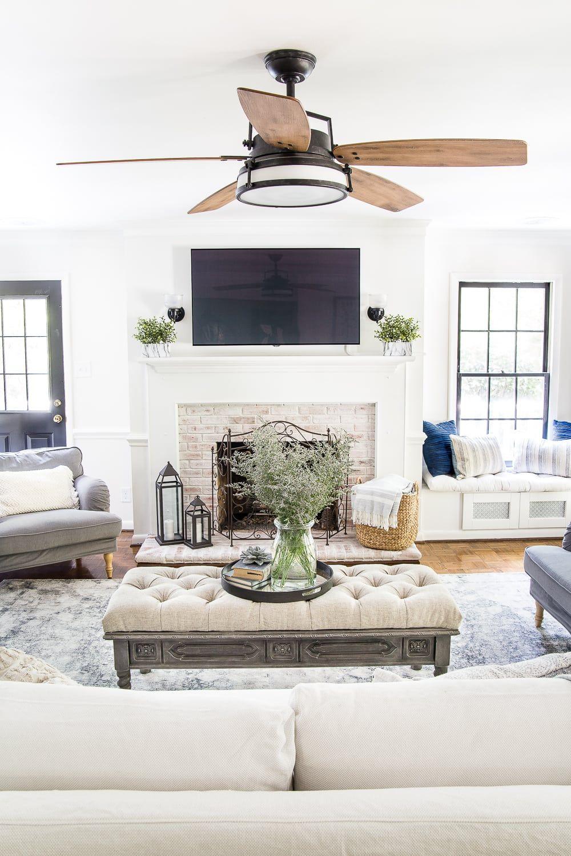 A Modern Meets Traditional Meets Farmhouse Summer Living Room